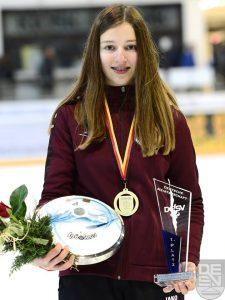 Spöckner Eisstöcke -Anna Hinteraicher Deutsche Meisterin U16- stocksport-spoeckner.de